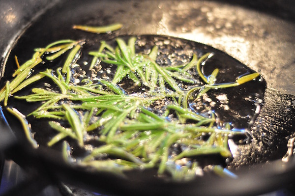 rosemary frying 600px