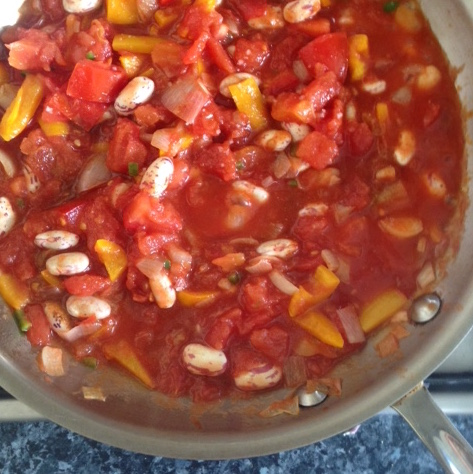 tomato and pepper bean mixture